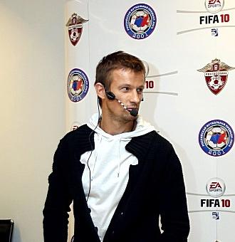 Сергей Семак на призентации FIFA 10