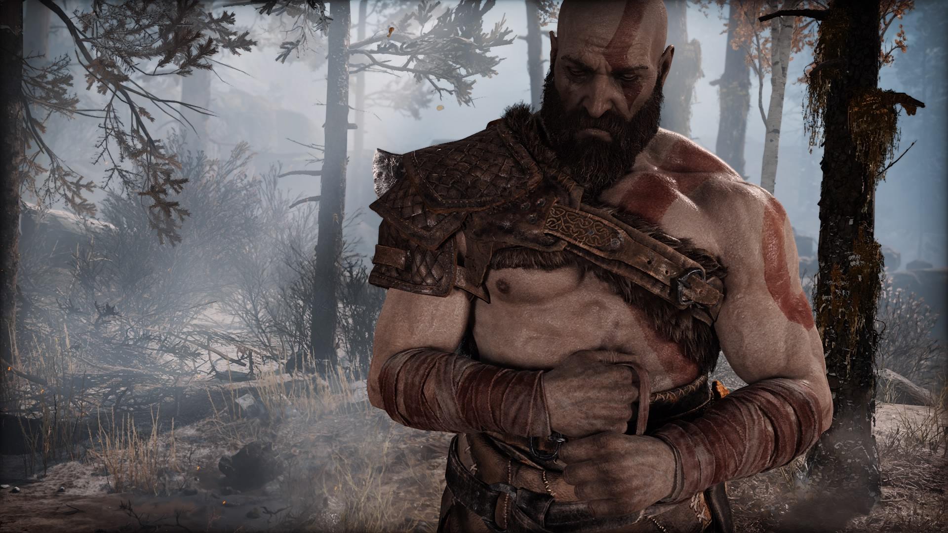 Символично: потрепанная повязка оголяет старые шрамы героя. Кратос прячет их от сына. Затягиваем бинт потуже, вдох-выдох и идем дальше.