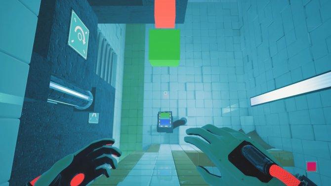 Через секунду зеленый куб попадет в героиню. Но боятся нечего: костюм защищает Амелию от любых опасностей, будь то удары предметов, падение с высоты или даже огонь.